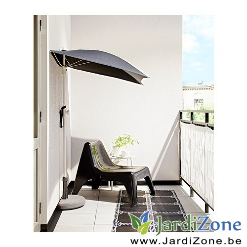 parasol pour une petite terrasse jardizone. Black Bedroom Furniture Sets. Home Design Ideas