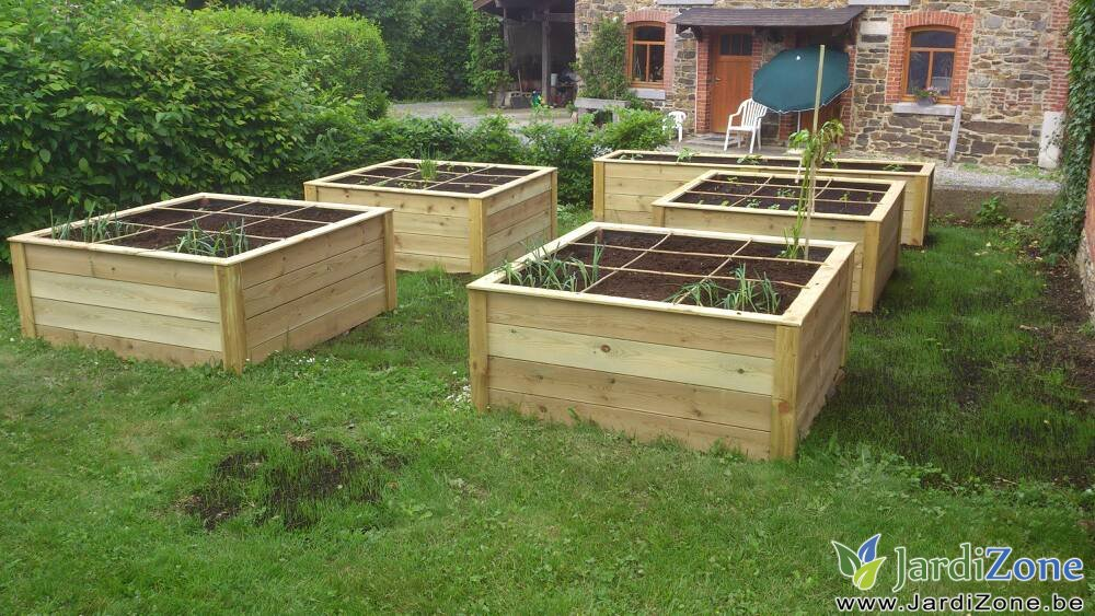 La contruction et l 39 amenagement de potagers en carre Amenagement jardin potager