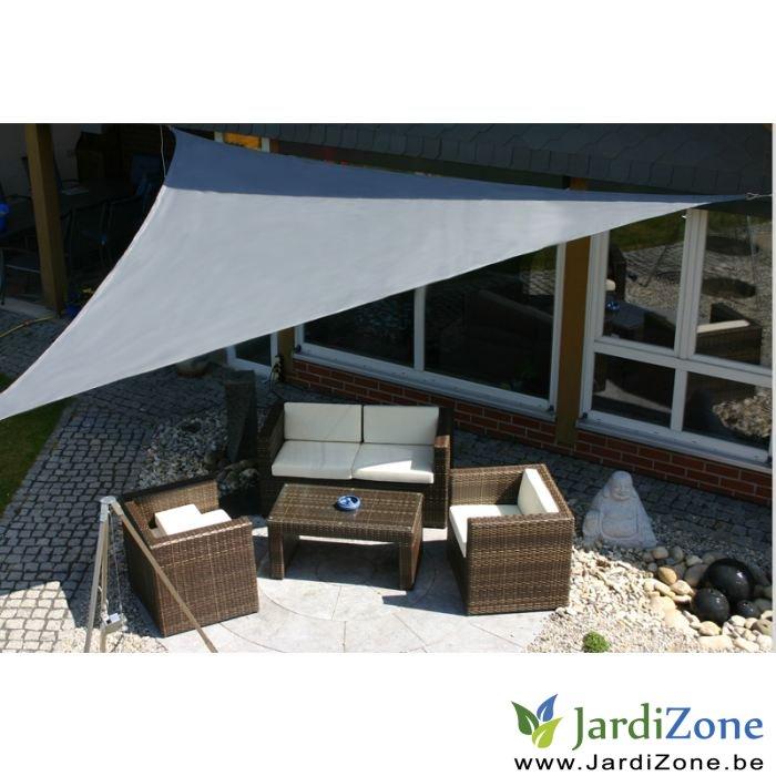 Parasol pour une petite terrasse jardizone - Voile d ombrage ikea ...